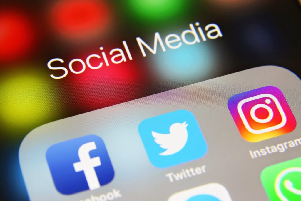 Facts Behind Scheduling Your Social Media Posts